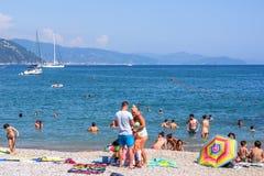Härlig solig dag på den Santa Margherita Ligure stranden Arkivbilder