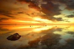 Härlig solnedgång över ön av Bali Agung vol Royaltyfria Foton