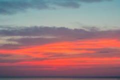 Härlig solnedgång över Blacket Sea i sommaren Royaltyfria Foton