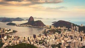Härlig solnedgång över Rio de Janeiro, Brasilien arkivfilmer