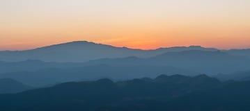 Härlig solnedgång för panorama Royaltyfri Bild