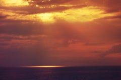 härlig solnedgång för strand Royaltyfria Bilder