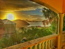 Härlig solnedgång i det karibiskt Arkivbild