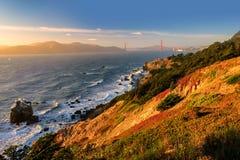 Härlig solnedgång i Golden Gatefjärden, San Francisco Arkivfoto
