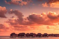 Härlig solnedgång i Maldiverna Arkivfoto
