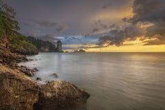 Härlig solnedgång med färgrik himmel Royaltyfri Fotografi