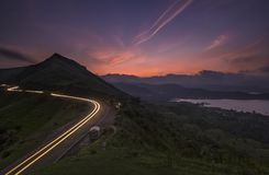 Härlig solnedgång nära Satara Arkivfoton