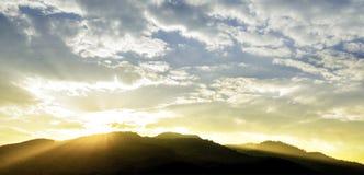Härlig solnedgång och cloudscape Royaltyfri Foto
