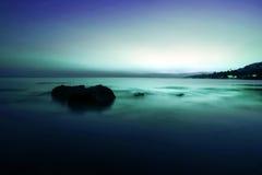 Härlig solnedgång ovanför havet på ön i Koh Royaltyfri Fotografi
