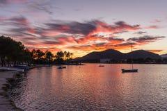 Härlig solnedgång på Alcudiamar, Mallorca Arkivfoto