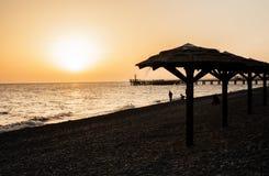 Härlig solnedgång på Blacket Sea Arkivbild