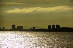 Härlig solnedgång på Chao Phraya River Background Arkivfoton