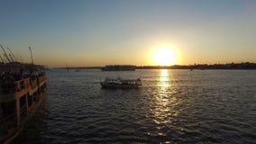 Härlig solnedgång på Nilen i Luxor arkivfilmer