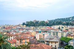 Härlig solnedgångsikt från överkant till den Santa Margherita Ligure staden Arkivfoton