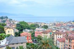 Härlig solnedgångsikt från överkant till den Santa Margherita Ligure staden Arkivbilder