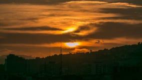 Härlig solnedgångtimelapse i Barcelona, Spanien lager videofilmer