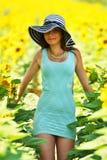 härlig solroskvinna Arkivbilder