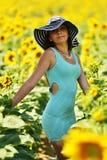 härlig solroskvinna Arkivfoton