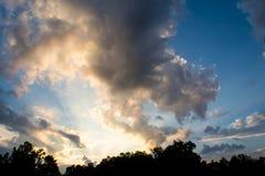 Härlig soluppgång över lantliga Illinois royaltyfri foto