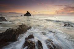 Härlig soluppgång för Kemasik strand Arkivbild