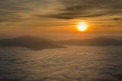 Härlig soluppgång i Chiang Rai Thailand royaltyfri fotografi