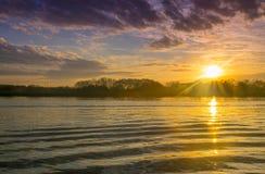 Härlig soluppgång i kusten av den Lujan floden i San Fernando, Buenos Aires arkivfoto