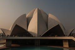 Härlig soluppgång Lotus Temple, New Delhi Arkivfoto