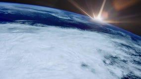 Härlig soluppgång ovanför jorden - några beståndsdelar möblerade vid NASA arkivfilmer