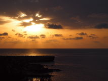 Härlig soluppgång på Cypern med havet royaltyfri bild