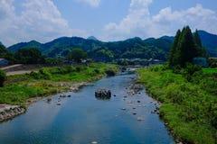 härlig sommar för liggandeflodsky Royaltyfri Foto