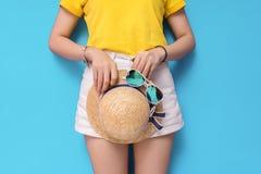 Härlig sommarsemester i feriebegrepp arkivfoto