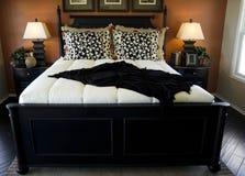 härlig sovrumdesigninterior Fotografering för Bildbyråer