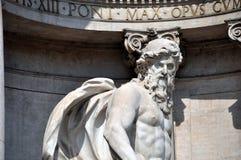härlig springbrunnnattroma trevi rome arkivfoto
