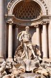 härlig springbrunnnattroma trevi rome royaltyfri fotografi
