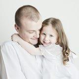 härlig stående för dotterfamiljfader Royaltyfri Foto
