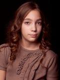 Härlig stående för tonåringflickastudio Royaltyfri Bild