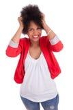 härlig ståendekvinna för afrikansk amerikan Royaltyfri Foto