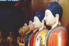 Härlig staty av slutet för Buddha 7 upp arkivfoton