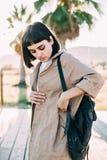 Härlig stilfull kvinna i bomullslag Arkivbilder