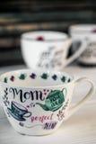 Härlig stor kopp för moders dag och mars 8 Arkivfoton