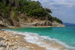 Härlig strand för en ferie i Albanien Ionian hav royaltyfri foto