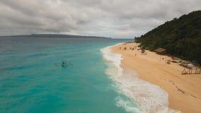 Härlig strand för flyg- sikt på den tropiska ön Boracay öFilippinerna Arkivfoton