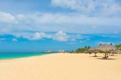 Härlig strand i Aruba, karibiska öar Arkivfoton