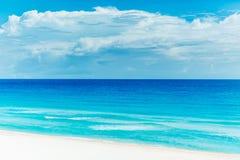 Härlig strand i Cancun Arkivbild