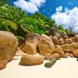 Härlig strand på Seychellerna Arkivfoton