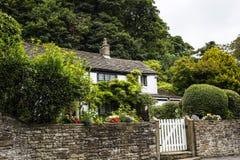 Härlig stuga i den lilla byn av Pott Shrigley, Cheshire, England Arkivfoto