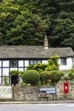 Härlig stuga i den lilla byn av Pott Shrigley, Cheshire, England Arkivfoton