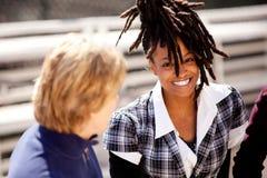 härlig svart leendekvinna Fotografering för Bildbyråer