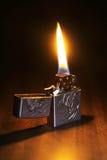 Härlig tändare på ett trägolv Royaltyfri Fotografi