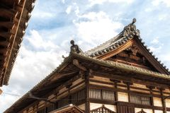 Härlig takdetalj för buddistisk tempel Royaltyfria Foton